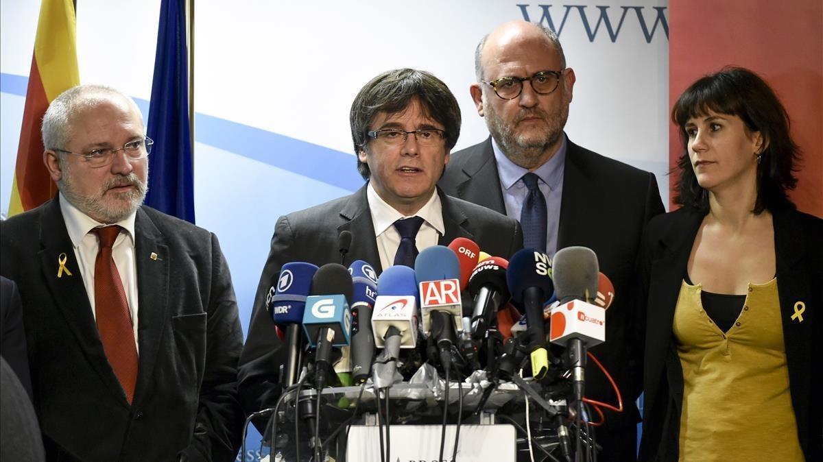 Comparecencia de Carles Puigdemont para valorar el resultado electoral desde Bruselas.