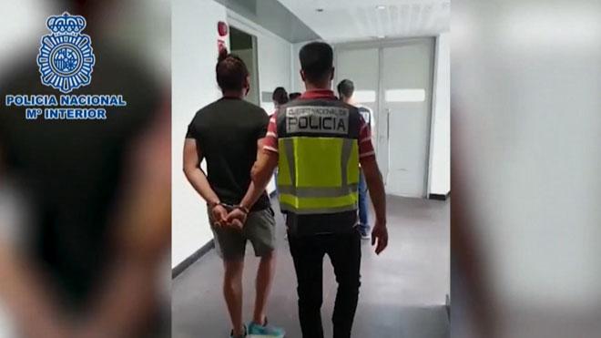 Dos detenidos por robar piezas de cine y cómics valoradas en 600.000 euros.