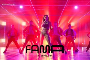 Eleni Foureira llena de 'Fuego' la pista de 'Fama a bailar'