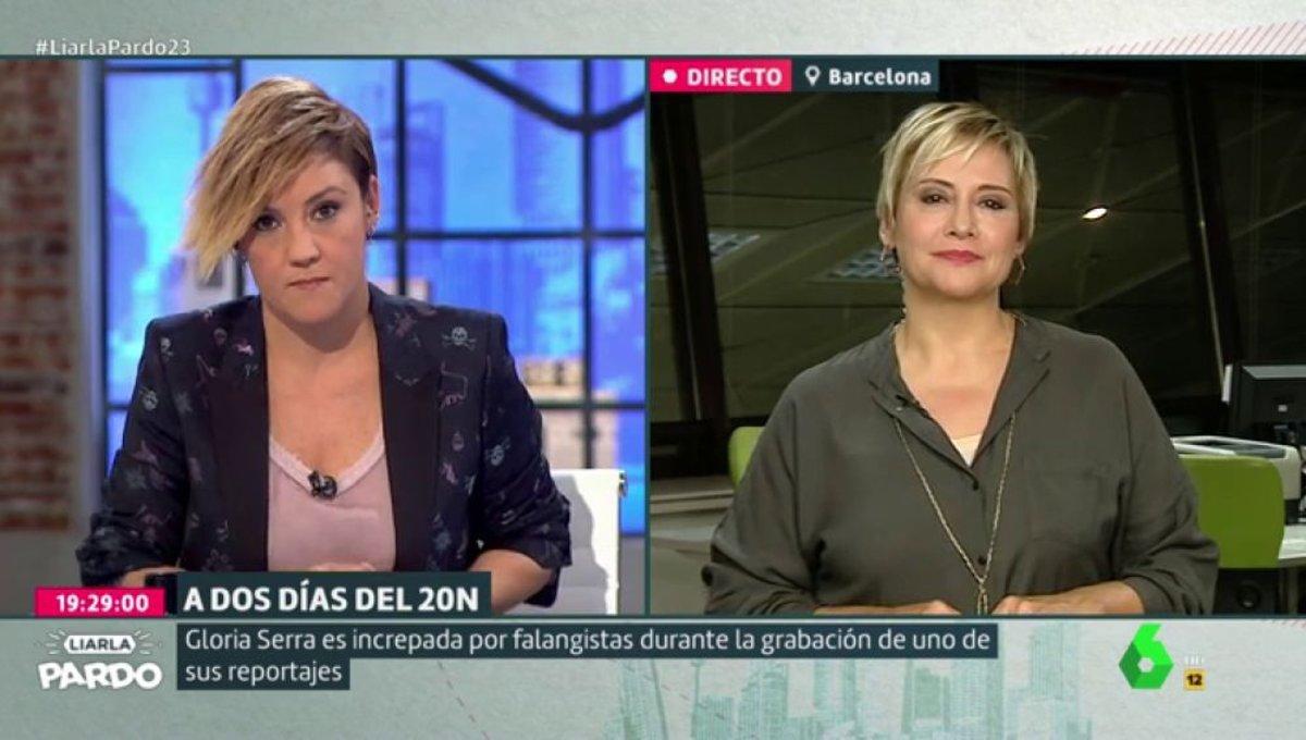 """Unos falangistas increpan a Gloria Serra y su 'Equipo de Investigación': """"Nos escupieron y nos dijeron de todo"""""""