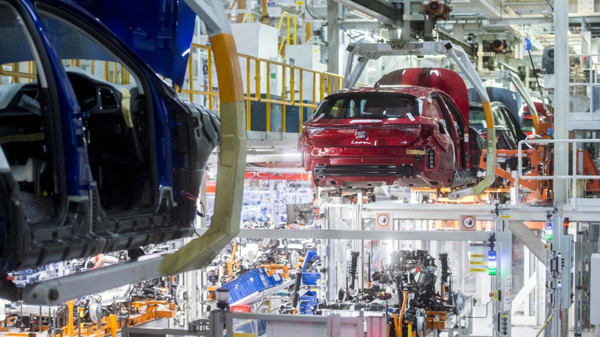 Fábrica de Seat en Martorell produciendo el nuevo Seat León.