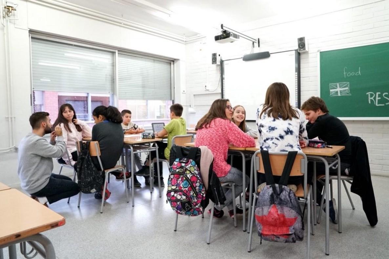 Alumnos de universidad o ciclos superiores, apodados Great Friends son los encargados de impartir clases de inglés a alumnos de Primaria y ESO.