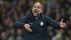 Guardiola se desespera en la banda en el City-Crystal Palace.