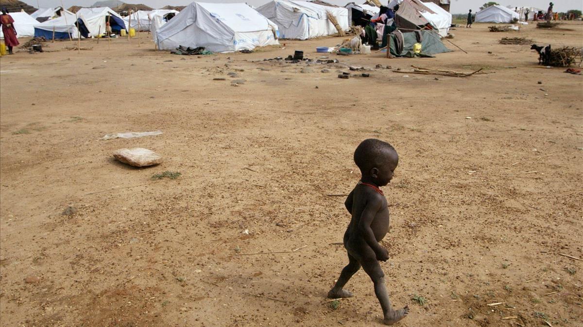 Un niño sudanés en un campo de refugiados.