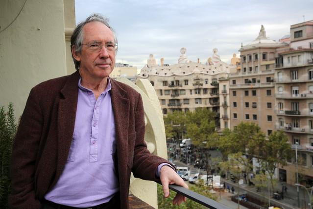 Ian McEwan, en elHotel Condes de Barcelona, en el 2013.