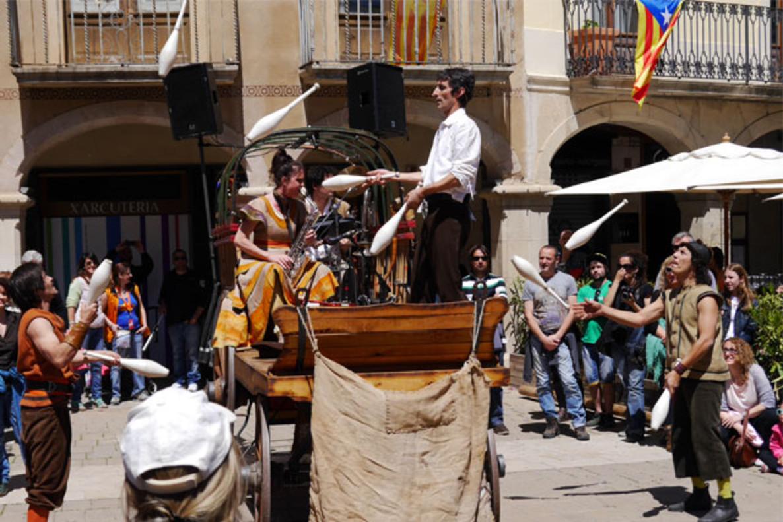 Imagen del espectáculo la 'Tartana' de la compañía Cíclicus.