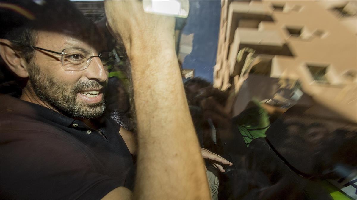 Sandro Rosell, tras ser detenido, el23 de mayo del 2017.