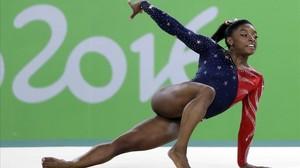 La campiona Simone Biles també denuncia haver rebut abusos
