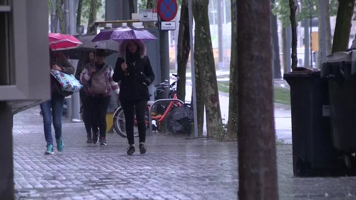 LLuvias en la costa central de Catalunya, ocasionalmente tormentosas en el norte de Tarragona y Pirineo, y descenso de las temperaturas durante la jornada del 1 de mayo.