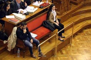 Los acusados del 'crimen de la urbana', Rosa Peral y Albert López, durante el juicio.