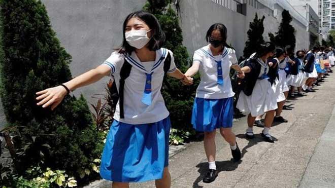 Los estudiantes de Hong Kong se suman a las protestas.