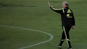 Del Bosque, en un entrenament amb la selecció espanyola.