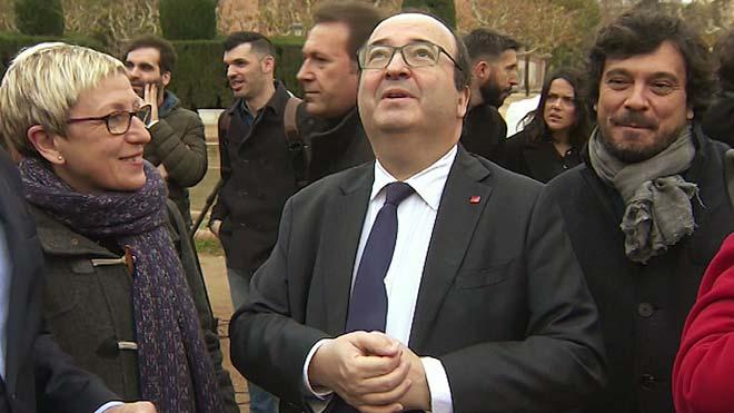 Miquel Iceta bromea sobre una gaviota y tararea el himno del PP.