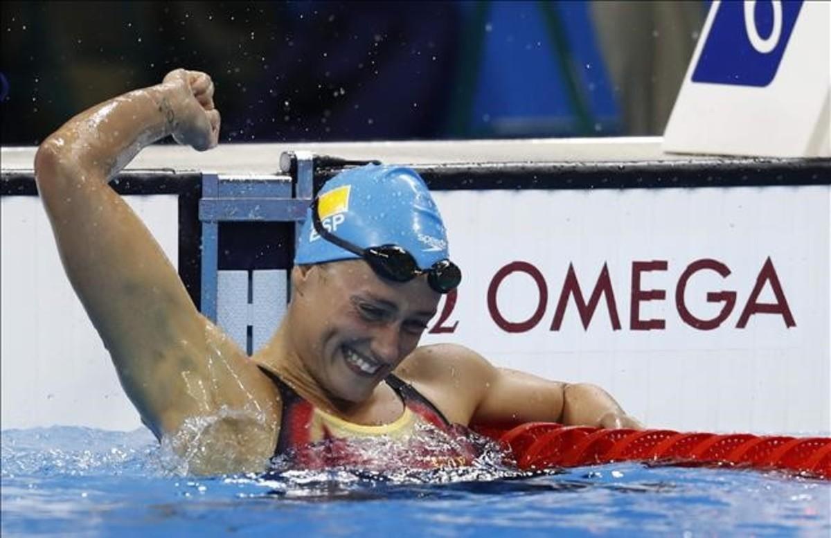 Mireia Belmonte, celebra la victoria en la prueba de los200m mariposa en los Juegos de Río 2016