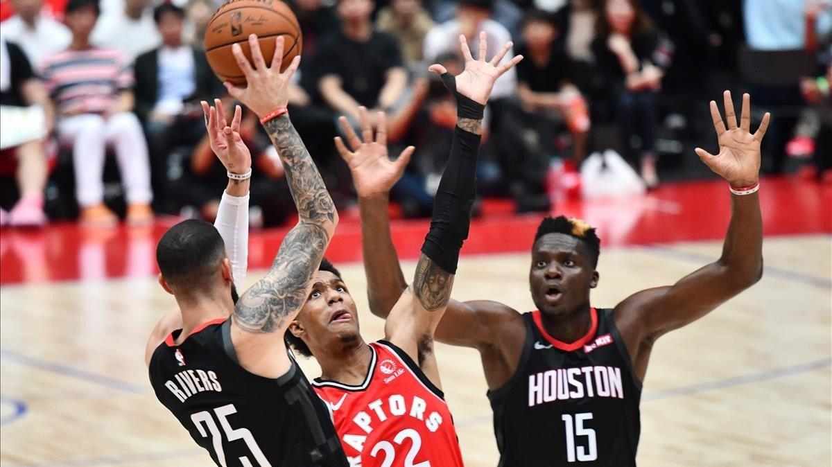 Un momento del partido de pretemporada en Tokio entre Toronto y Houston.