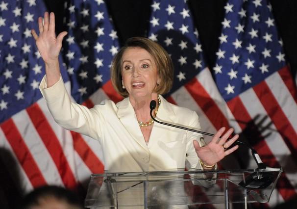 Nancy Pelosi, durante un discurso ante los militantes demócratas reunidos en un hotel de Washington durante la noche electoral.