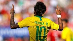 Neymar celebrando el gol anotado frente Austria