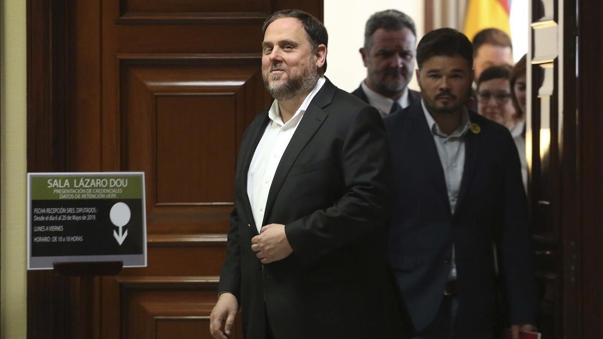 Oriol Junqueras, tras recoger el acta de diputado, en mayo