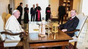 El Papa Francisco con Erdogan, este lunes 5 de febrero, en el Vaticano.