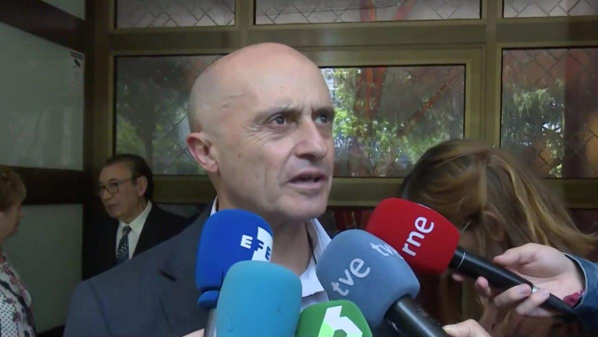 Pepe Viyuela fue uno de los muchos humoristas que participó en algunas de las etapas de 'Un, dos, tres' en TVE.