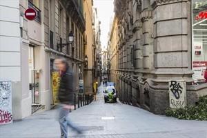 La pequeña calle de Estruc, que discurre entre las céntricas Fontanella y Comtal.