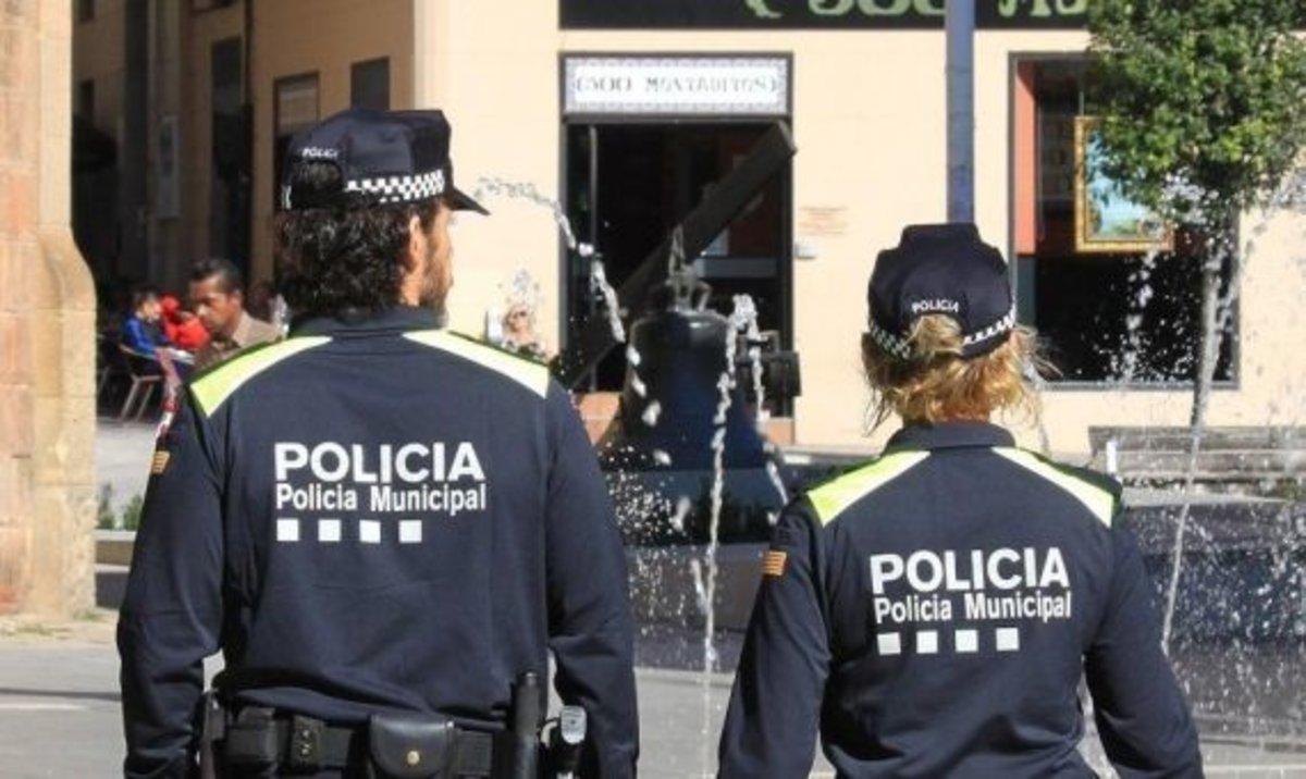 Imagen de archivo de dos agentes de la Policía Municipal de Sabadell.