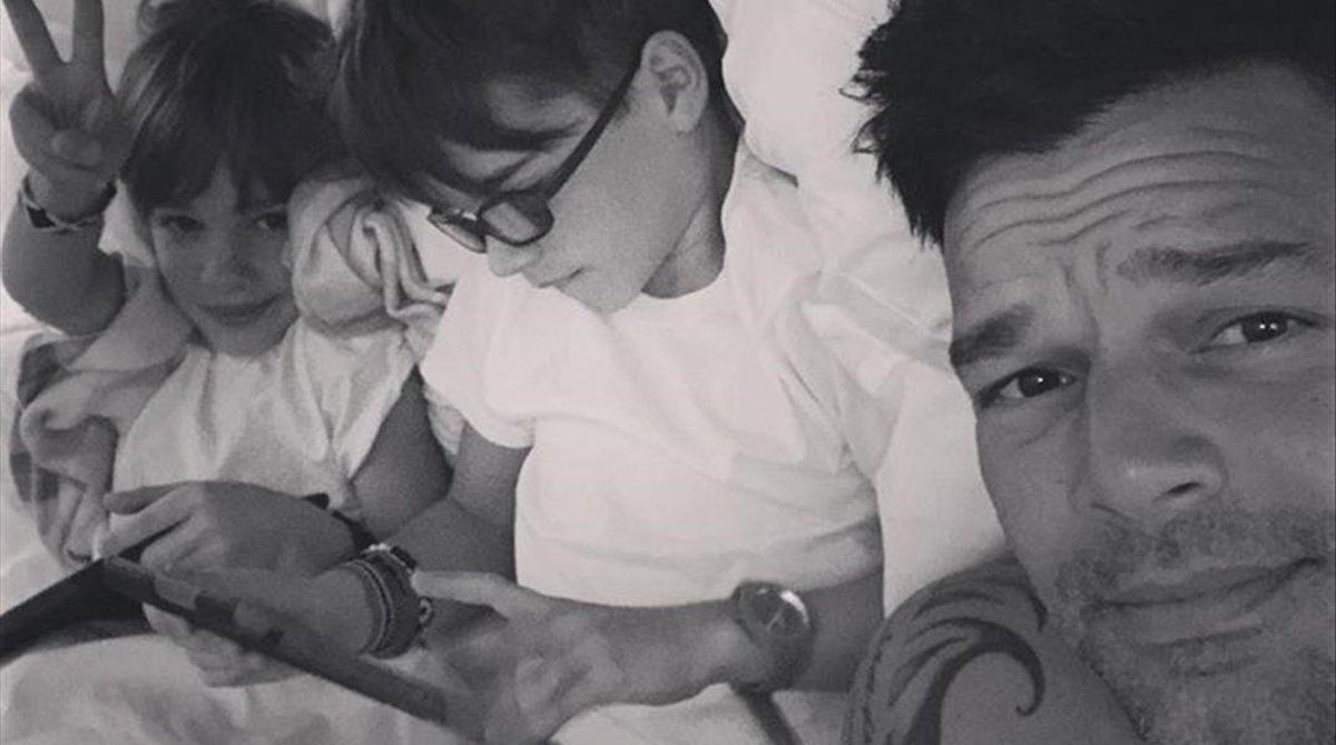 Ricky Martin y sus hijos Valentino y Mateo.