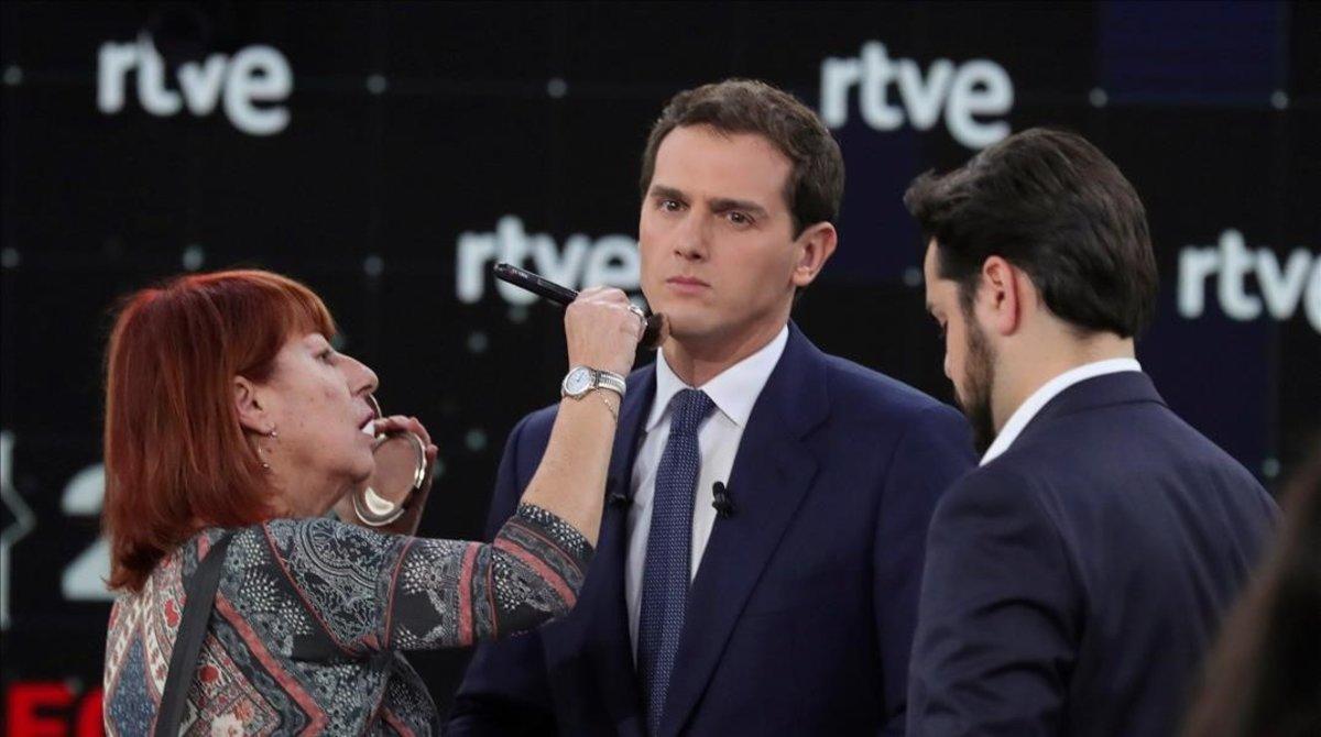El líder de Ciudadanos, Albert Rivera, antes de dar comienzo el debate en RTVE el 22 de abrilante laselecciones generales del 28-M