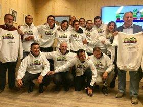 Sergi Mingote junto al equipo que le acompañará en el trekking al Everest