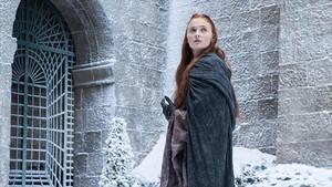 Sophie Turner, caracterizada como Sansa Stark, en un capítulo de la séptima temporada de la serie Juego de tronos.