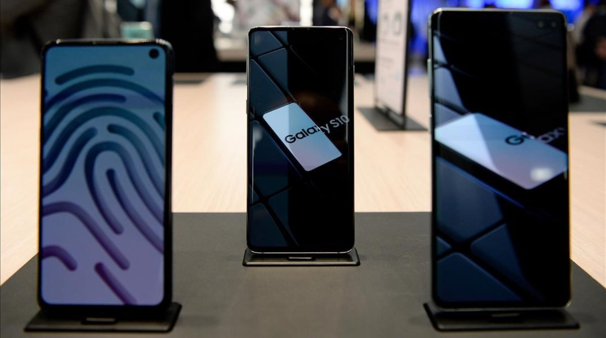 Teléfonos S10 de Samsung en el Mobile World Congress de Barcelona.
