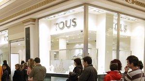 Tienda de la joyería Tous en el centro comercial Gran Via 2 de L'Hospitalet, en Barcelona.