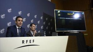 Velasco Carballo y Clos Gómez, en su conferencia de prensa de hoy en Madrid.