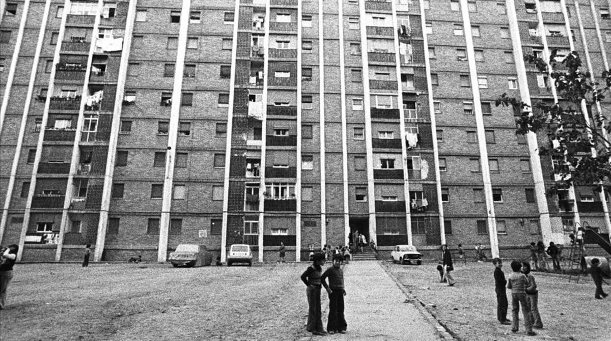 Los bloque de Cornellà en los años 70. Colmenas de vida y de marginalidad.