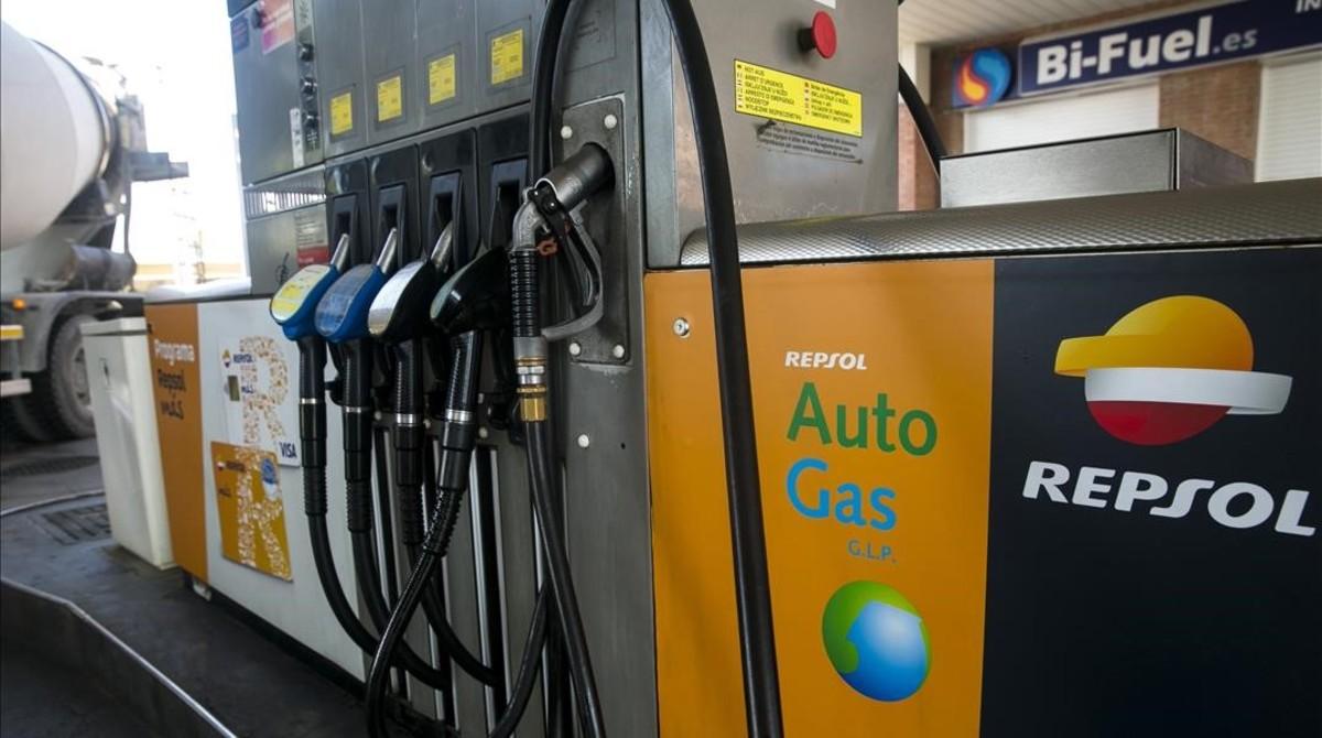 Más de 500 gasolineras expenden ya gas para vehículos