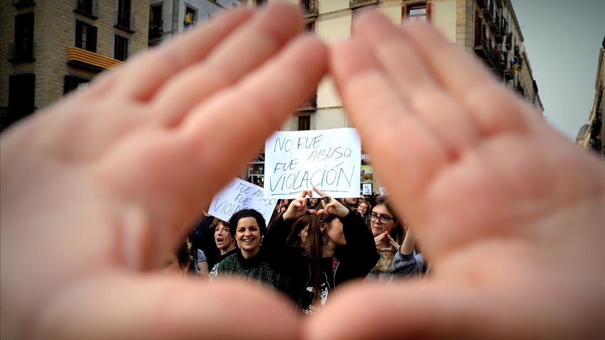 Barcelona demana revisar el supòsit d'abús sexual per la sentència de 'La manada'