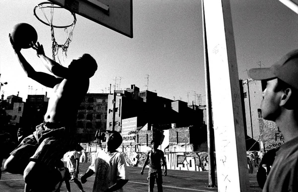 En 'Melodia del Raval', Jordi Oliver recogió la vida en el barrio entre 1989 y 1999.