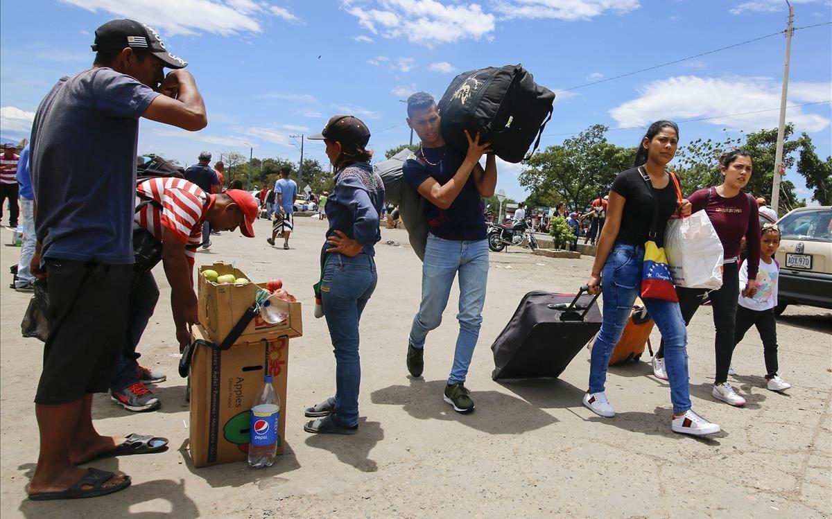 """La OEA respalda la política de """"brazos abiertos"""" de Colombia a favor de los venezolanos"""