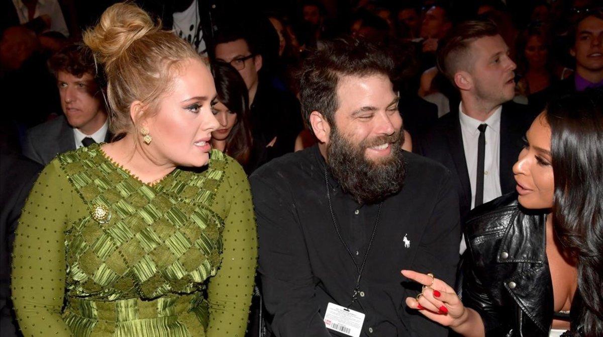 Adele y su exmarido, Simon Konecki, en la ceremonia de los Grammy del 2017, en Los Ángeles.