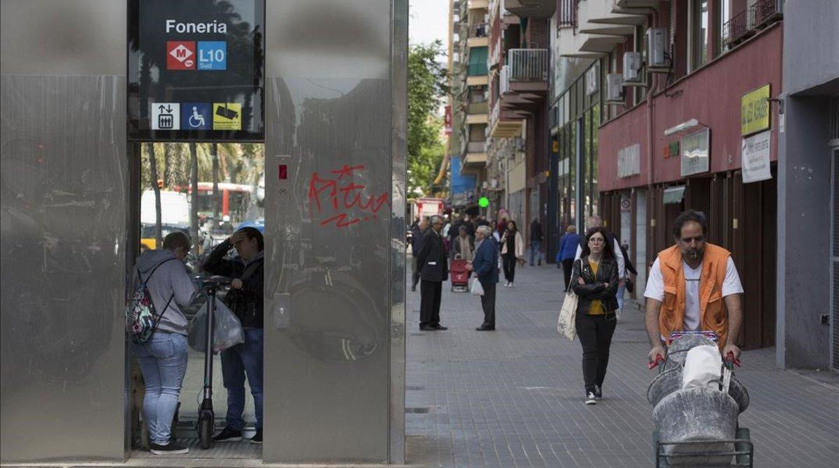 El metro ha llegado al fin al barriode La Marina.
