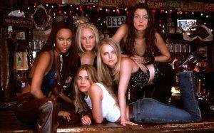 Las protagonistas de 'El bar Coyote'.