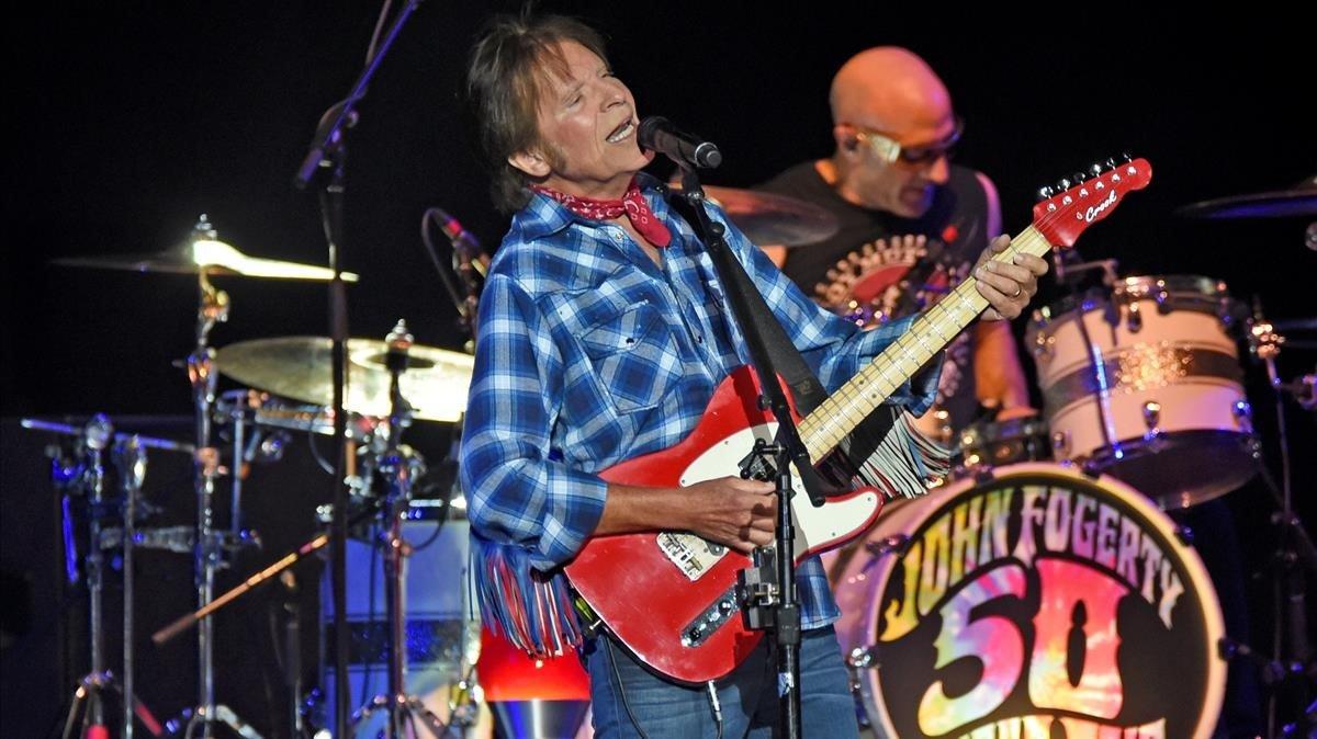 John Fogerty, en una de las actuaciones de la gira de 50º aniversariode su carrera, en Louisville, Kentucky, el pasado septiembre.