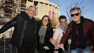 Saturnino Cuevas, AnaRamón, Josefa Gala y Pedro Mariano, el pasado 16 de enero, junto al Camp Nou.