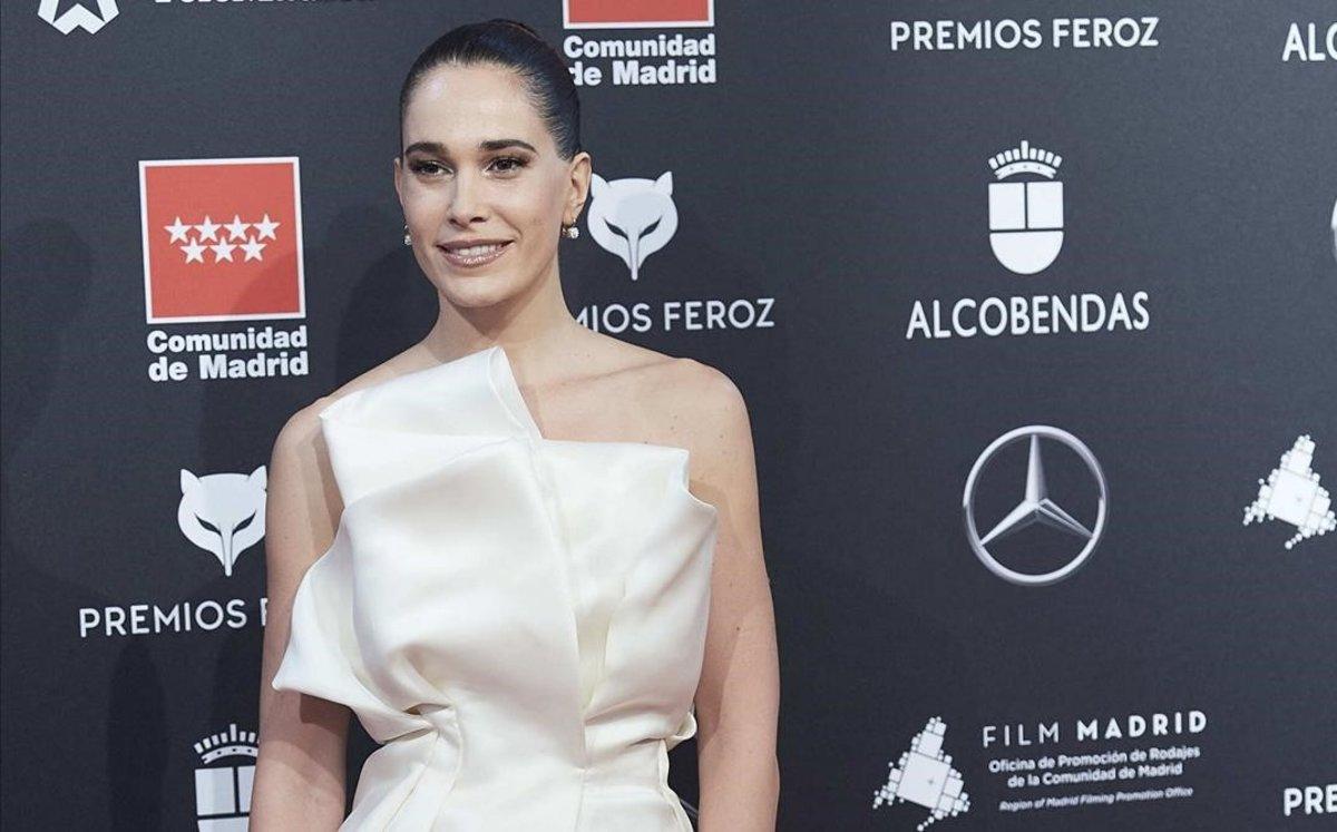 Celia Freijeiro fa un 'topless' a la gala dels Feroz