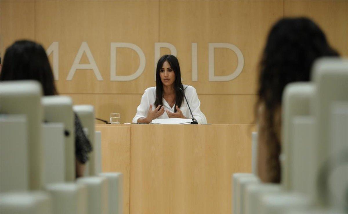 La vicealcaldesa de Madrid, Begoña Villacís, durante la presentacion del concurso de ideas para el Bosque Metropolitanoen el Palacio de CibelesMadrid.