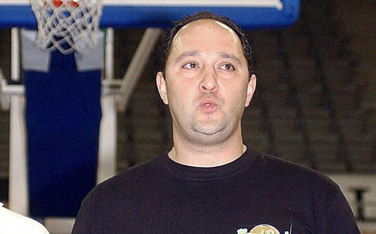 El exjugador profesional de baloncesto, Aitor Zárate, contra quien pesan varias querellas por estafa.