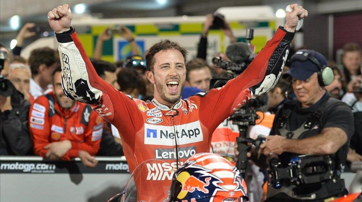 Andrea Dovizioso celebra su victoria en el Gran Premio de Catar.