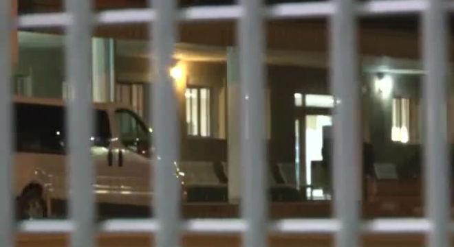 El tresorer de CiU, Andreu Viloca, surt del centre penitenciari de Quatre Camins de la Roca del Vallès.
