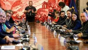Asamblea con la participación de Podemos, PDECat, ERC, PNVy Compromís, sobre Catalunya.