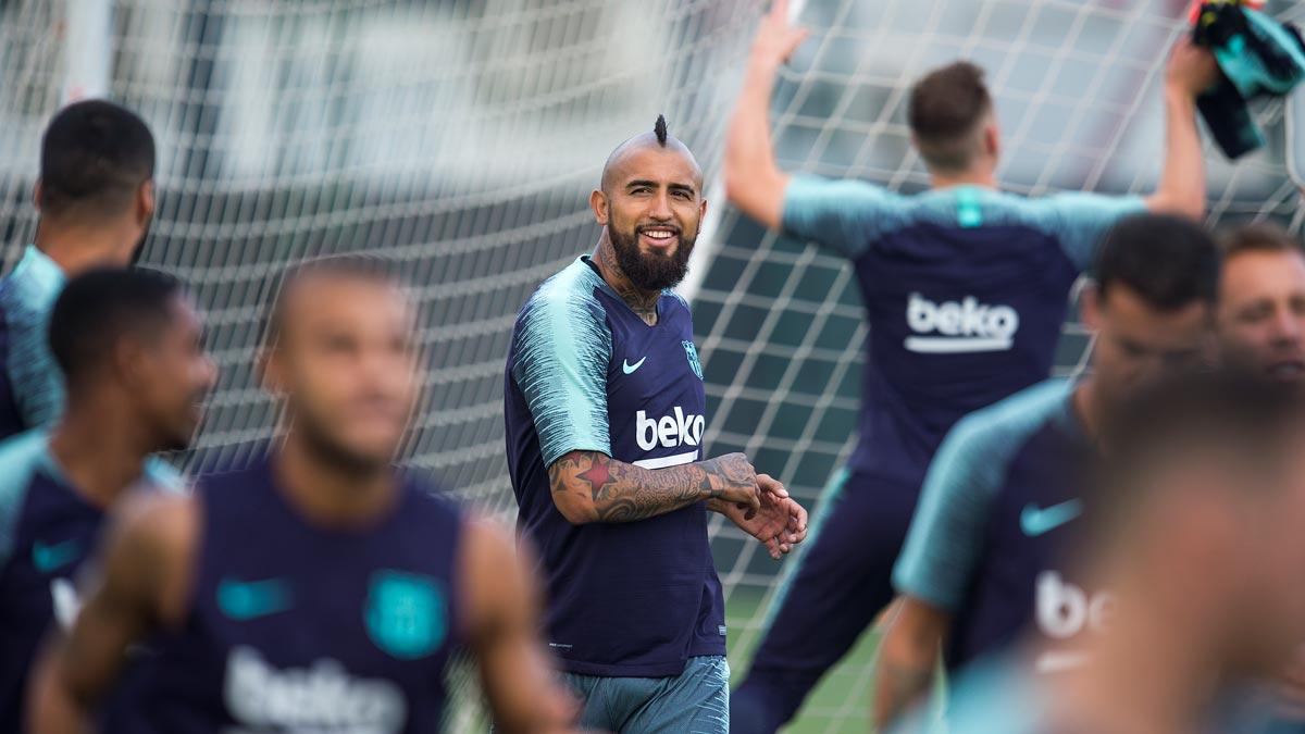 El Barça se entrena al completo.